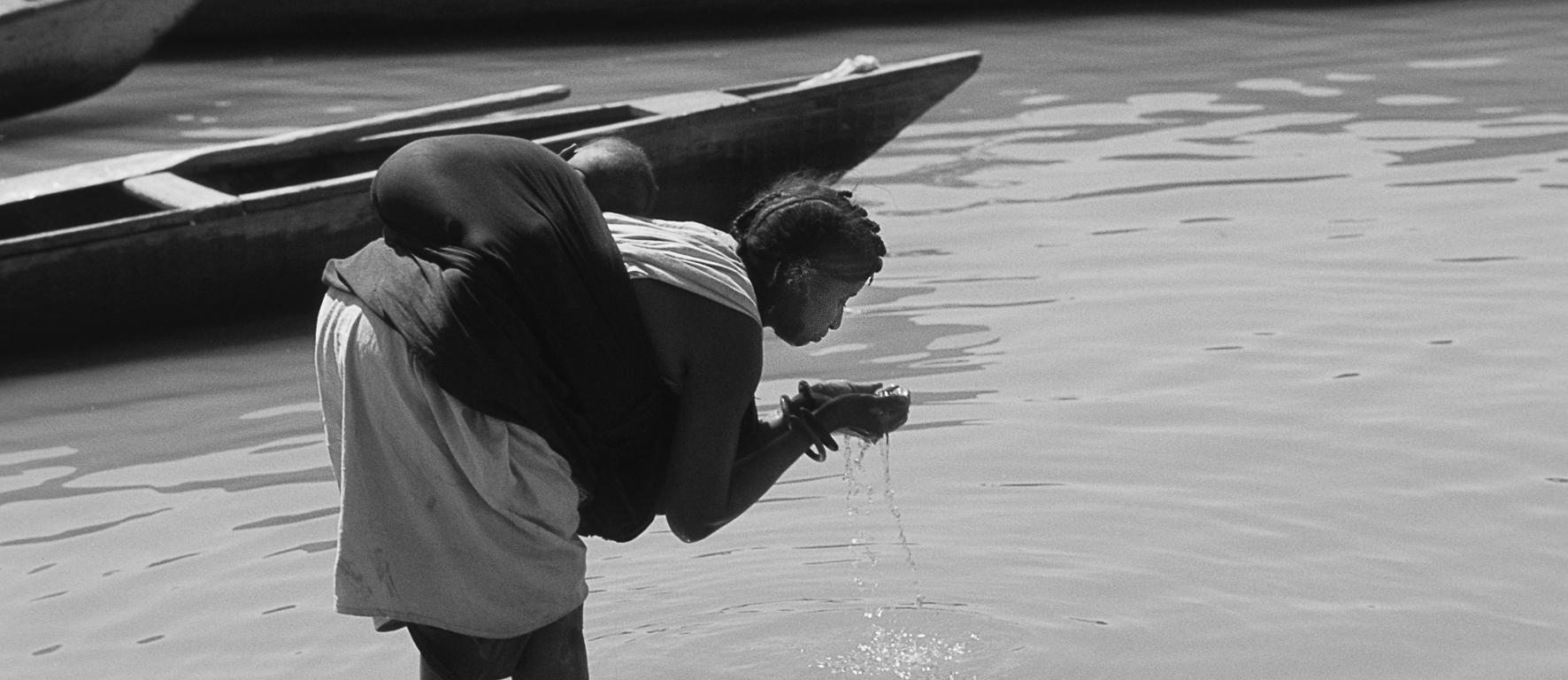 © Charles Henneghien – Eau potable ? Le fleuve Niger à Ayorou